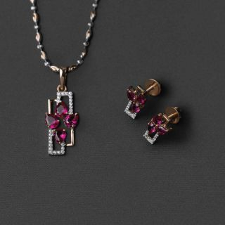 Rose Gold Neckpiece and Earrings